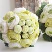 Las hojas son verde con flores flores de cartera de Dama de honor de la boda