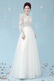 Vestido de novia Romántico Cordón Corte-A Fuera de casa Manga larga