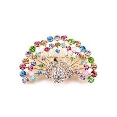 Diamante de embutido de pavo real retro Animal broche de la aleación