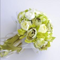 Flores de simulación de novia coreana blanco camelia verdes para la boda en la mano