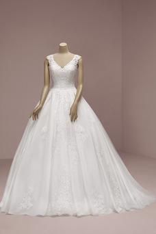 Vestido de novia Corte-A Natural tul Iglesia Escote en V Apliques
