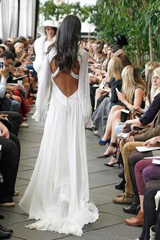 Vestido de novia Playa Pera Natural Baja escote en V Drapeado Escote en V