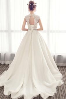 Vestido de novia Natural Cola Catedral Corpiño Acentuado con Perla Otoño