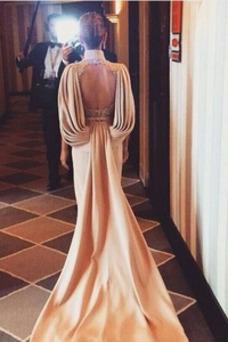 Vestido de noche Espalda Descubierta Escote con cuello Alto Glamouroso
