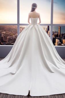 Vestido de novia Sin tirantes Espalda Descubierta Reloj de Arena Cola Catedral