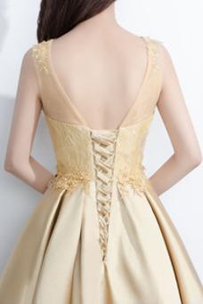 Vestido de cóctel Hasta la Rodilla Sin mangas Natural Cordón Glamouroso