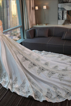 Vestido de novia Manga tapada Espalda con ojo de cerradura Satén Triángulo Invertido