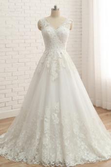Vestido de novia Encaje Escote en V Corte-A Iglesia Natural Pera