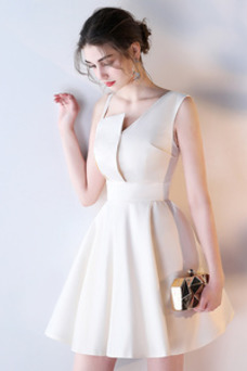 Vestido de dama de honor Corte-A Escote Asimètrico Corto Falta Sin mangas Natural