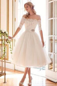 Vestido de novia Corte-A Natural Capa de encaje Abalorio Fuera de casa