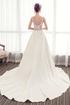 Vestido de novia Satén Capa de encaje Escote en V Triángulo Invertido