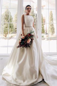Vestido de novia vendimia Corte-A Playa Sin mangas Satén Escote redondo
