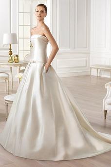 Vestido de novia Sin tirantes Bolsillos Natural Cola Capilla Sin mangas