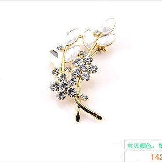 Venta caliente con incrustaciones de diamante mujer accesorios broche de hojas de cristal - Página 2