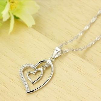 En forma de corazón las mujeres corto con incrustaciones de diamante collar y colgante de plata - Página 3