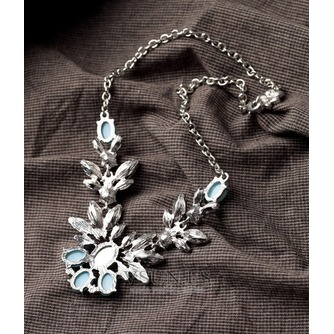 Joya con incrustaciones de aleación collar y colgante de cristal de flores de boda - Página 4