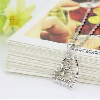 En forma de corazón las mujeres corto con incrustaciones de diamante collar y colgante de plata - Página 4