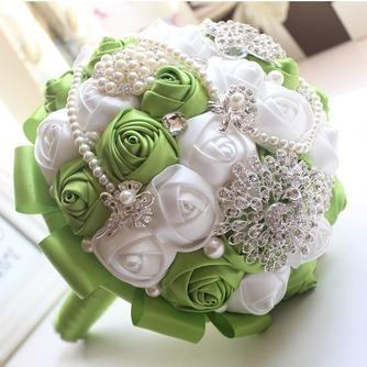 Nueva novia a mano fruta fresca verde con flores - Página 3