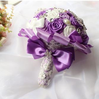 La novia de la cinta color perla rosa cinta cinta sosteniendo flores - Página 3
