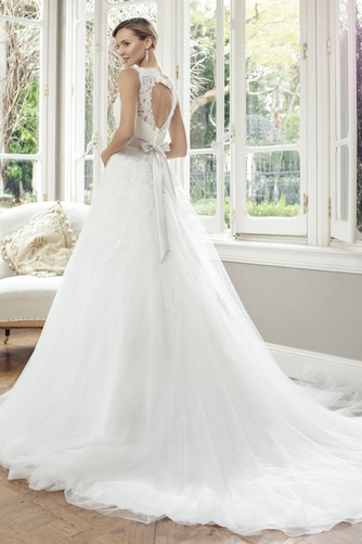 Vestido de novia Corte princesa Escote en V Espalda con ojo de cerradura - Página 2