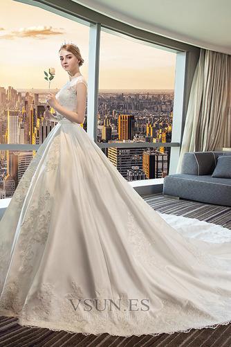 Vestido de novia Apliques Iglesia Triángulo Invertido Capa de encaje - Página 2