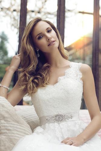 Vestido de novia Corte princesa Escote en V Espalda con ojo de cerradura - Página 3