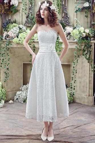 Vestido de novia Encaje Falta Corte-A Flores Natural Hasta la Tibia - Página 1