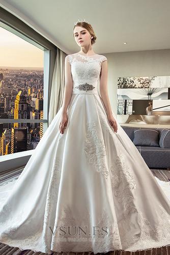 Vestido de novia Apliques Iglesia Triángulo Invertido Capa de encaje - Página 1