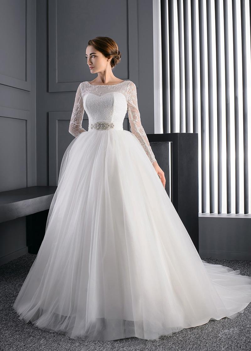 Vestido de novia corte princesa manga larga