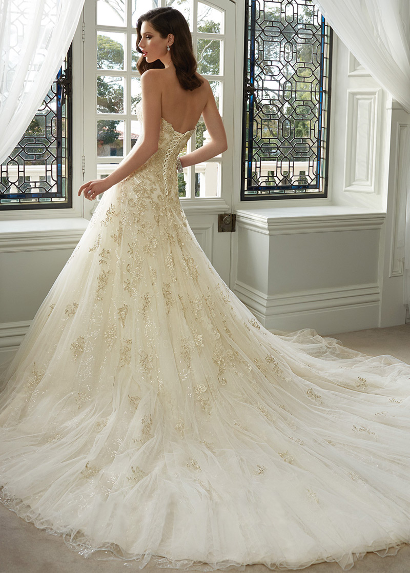 adf3e2afb ... 1 Vestido de novia Espectaculares tul Apliques Cola Catedral Escote  Corazón - Página 2