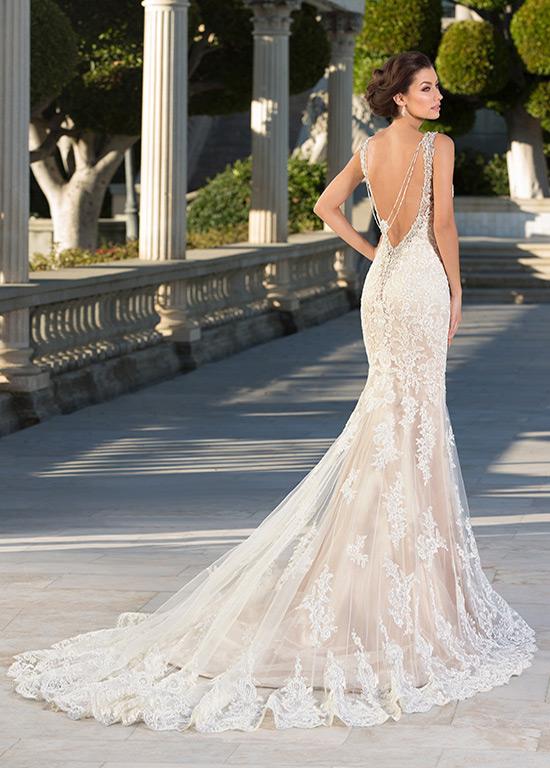 vestido de novia moderno espalda descubierta corte sirena tul