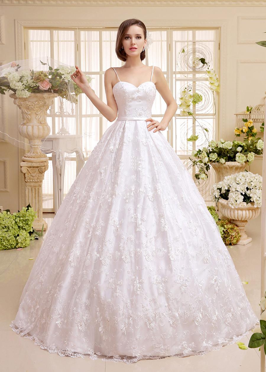 Vestido de novia corte princesa de encaje