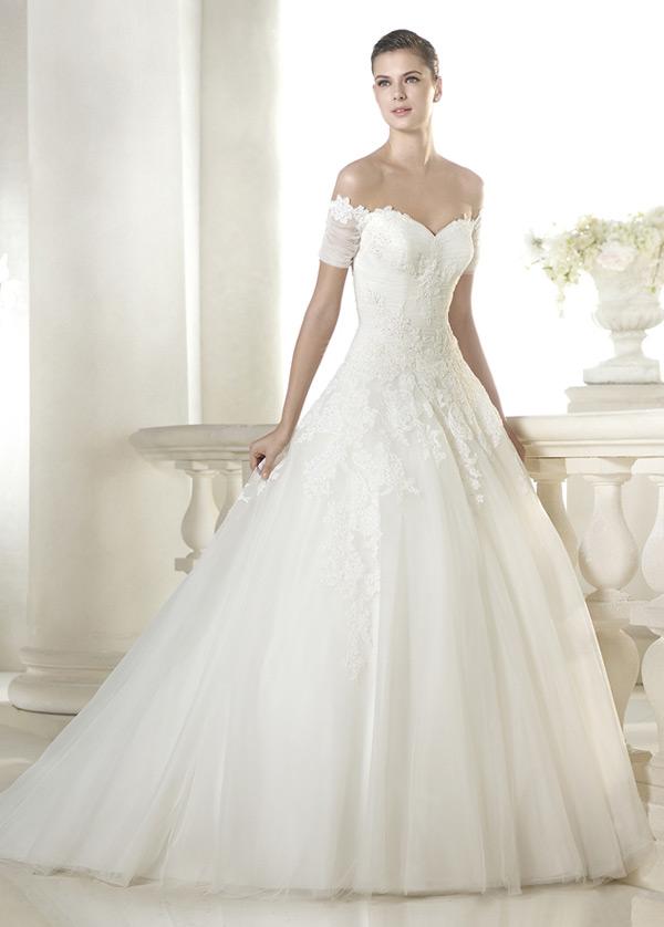 Vestidos de novia corte princesa con manga corta