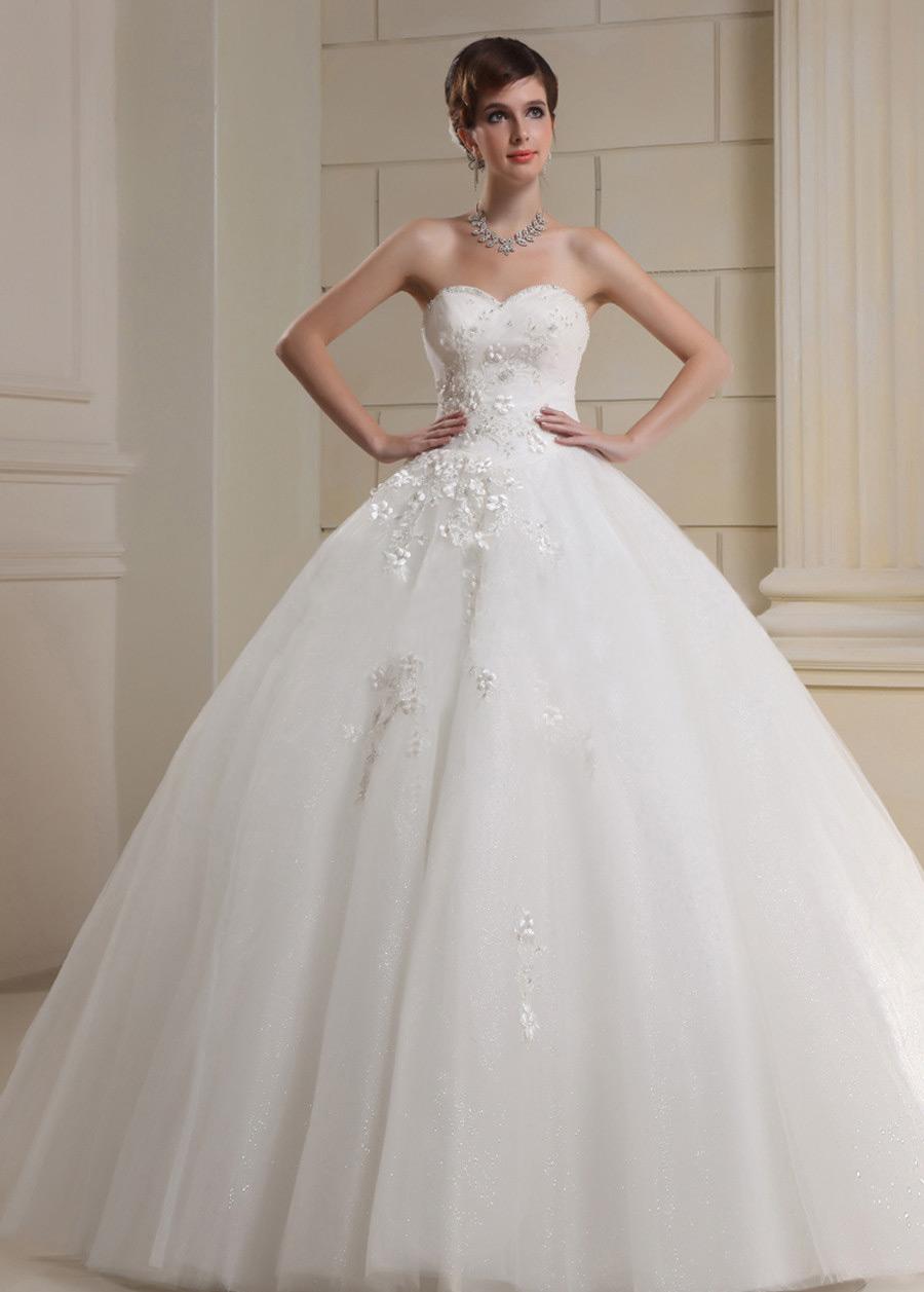 Vestidos de novia escote corazon corte princesa