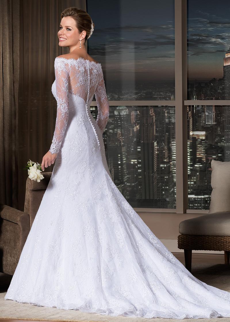 Vestido de novia corte sirena con cola larga