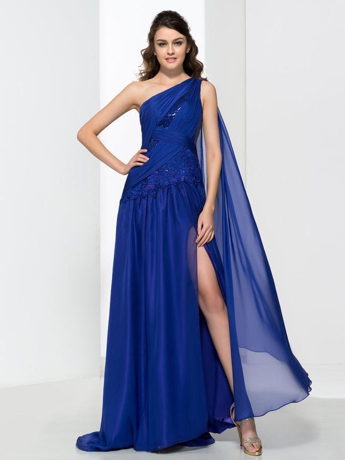 Vestidos de fiesta Pronovias 2021: ¡estilo y glamur!